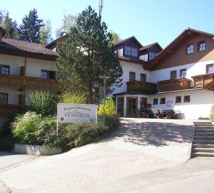 Das Hotel mit Eingangsbereich Sonnenhotel Eichenbühl