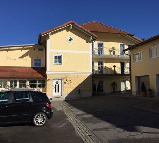 Innenhof Landhotel Brandlhof