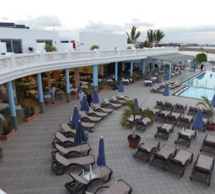 Blick auf Pool Hotel Las Costas