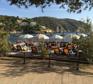 Die VIP-Terasse mit reservierten Liegen Olimarotel Gran Camp de Mar