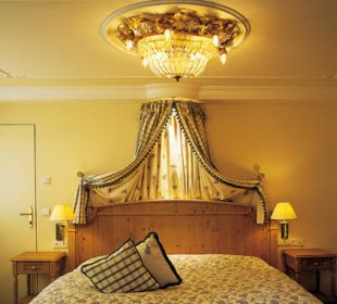 Junior-Suite Schlafzimmer Romantik Hotel Die Krone von Lech