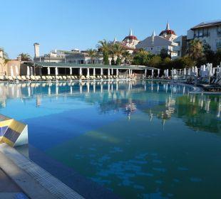 Morgens am Pool Belek Beach Resort Hotel