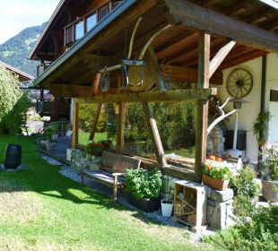 Garten mit Terrasse und Pergola Apartments Suggadin