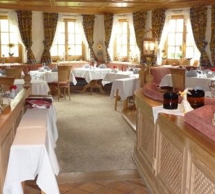 Blick ins Restaurant Hotel Alpin Spa Tuxerhof