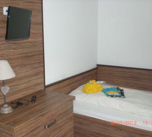 Bergkristall Zimmer Kinderbett Alpenhotel Fischer