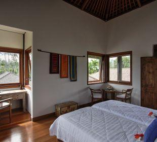 Rumah Isah - Schlafraum 2 Nusa Indah Bungalows & Villa