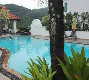 Pool älteres Gebäude The Old Phuket - Karon Beach Resort