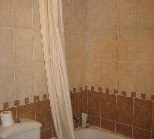 Geduscht wird in der Badewanne Hotel Shams Safaga