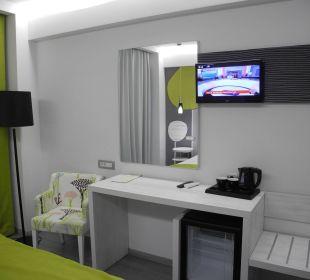 Zimmerdetail  Smartline Semiramis City Hotel