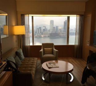 Wohnzimmer der Suite Renaissance Harbour View Hotel Hong Kong