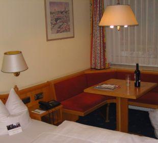 Zimmer mit Sitzecke Mercure Hotel Garmisch Partenkirchen