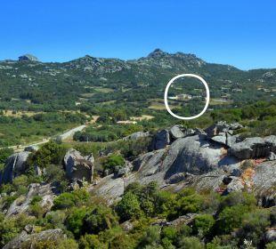 Blick von Arzachena in das Tal mit dem Hotel.... Hotel Parco Degli Ulivi