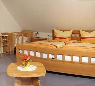 1. Schlafzimmer Fewo Reh Ferienbauernhof Oberjosenhof