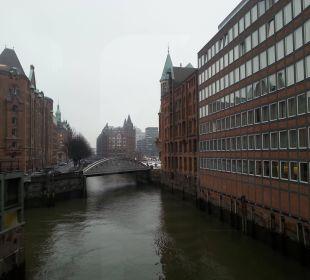 Blick von der Brücke, die zum Cantinetta führt AMERON Hotel Speicherstadt Hamburg