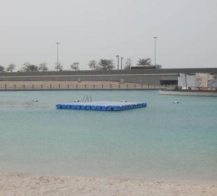 Künstliche angelegte Lagune mit Insel Sheraton Hotel & Resort Abu Dhabi