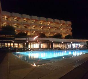 Serrano palace fire show Hotel Serrano Palace