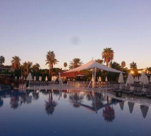 Sonnenuntergang Bellis Deluxe Hotel