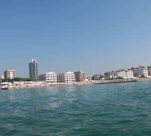 Blick vom Meer auf den Stand Hotel Eden Lido Di Jesolo
