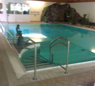 Einstieg zum Pool Schlosshotel Ralswiek