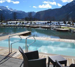 Hoteleigener See mit Pool Wellnesshotel Zechmeisterlehen