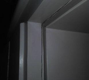 Zimmer 253 - Türzarge Schlafbereich zum Flur /oben Dorint Park Hotel Bremen