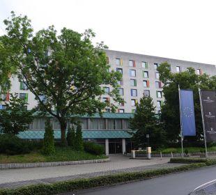 Wem es gefällt! Von innen schöner!! Renaissance Bochum Hotel