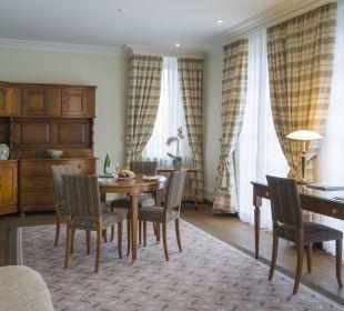 Junior Suite Wohnzimmer Hotel Suvretta House