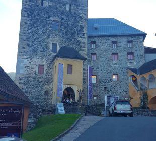 Zufahrt zur Burg & Restaurant  Burghotel Deutschlandsberg