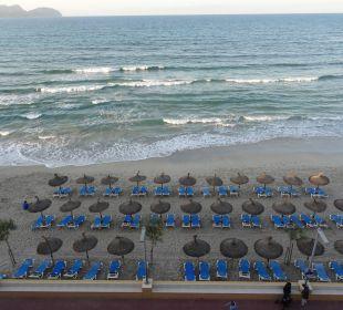 Öffentlicher Strand vorm Hotel JS Hotel Horitzó