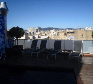 Dachterrasse mit kleinem Pool Hotel Ciutat de Barcelona
