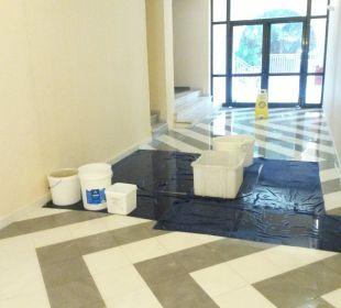 Wasserienbruch bei Gewitter lti Grand Hotel Glyfada