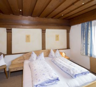 Familiensuite Tirol (98 m2) Schlafzimmer Angerer Familienappartements Tirol