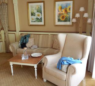 Gemütliche Sitzecke in der Deluxe Suite Hotel Schwarzenstein