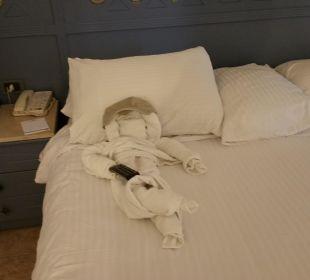 Der Zimmer boy hat sich immer was neues ausgedacht SUNRISE Select Royal Makadi Resort