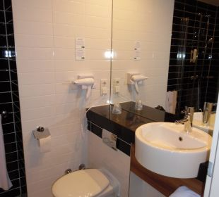 Badezimmer Hotel Holiday Inn Express Hamburg City Centre