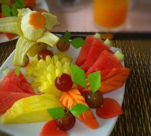 Früchteteller zum Frühstück, täglich kreativ und frisch Khao Lak Riverside Resort & Spa