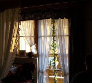 Blick zum Fenster Gästehaus Watzmannblick