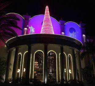 Außenansicht bei Nacht Lopesan Villa del Conde Resort & Spa