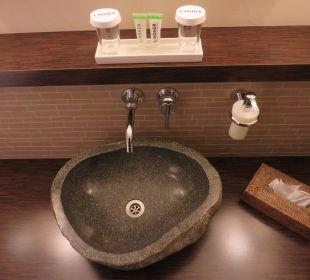 Waschbecken im Badezimmer Lindner Park-Hotel Hagenbeck