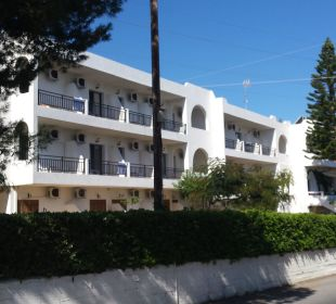 Hotelaußenansicht Hotel Dimitra