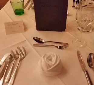 Liebevolle Tischdekoration Hotel Alpenschlössl