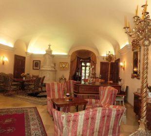 In der Halle Hotel Schloss Dürnstein