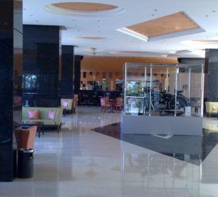 Bar im Empfangsbereich Hotel Royal Belvedere