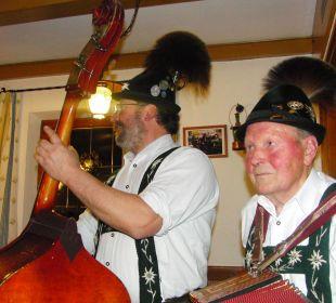A echt bayerische Musi in der Rose Haus Anny Schall