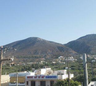 Seitlicher Blick Richtung Berge  Hotel Golden Beach