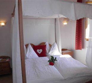 Himmelbett für süße Träume Appartement & Weingut Linter