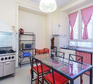 Cucina appartamento grande Hotel Cairoli
