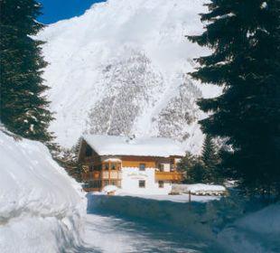 Verschneite Landschaft Ferienwohnung Leutasch  Landhaus Karoline Wohlfühl-Ferienwohnungen