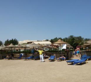 Schöner, weitläufiger Strand mit super Service TUI MAGIC LIFE Kalawy