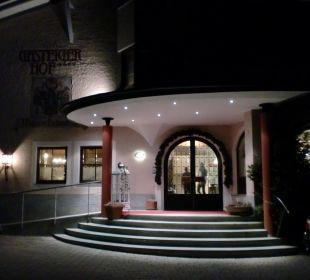 Abendansicht des Eingangs Hotel GasteigerHof